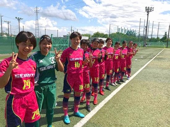 f_soccer_2.jpg