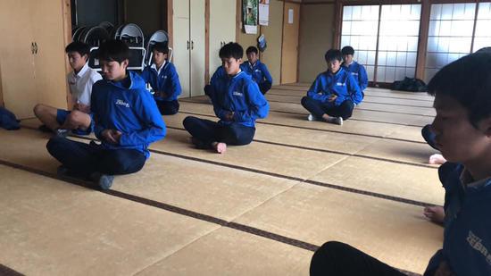 SC_yoga181218_1.jpg