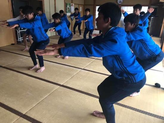 SC_yoga181218_5.jpg